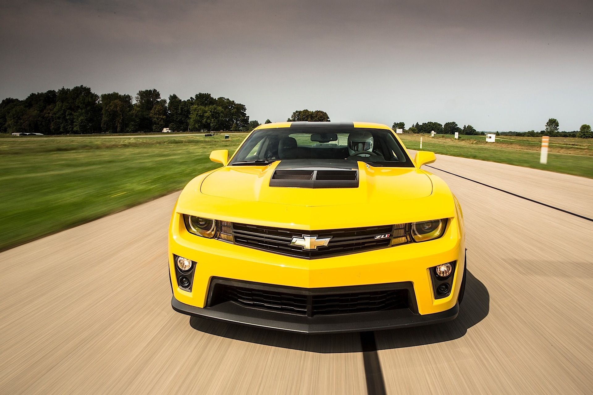 Chevrolet Camaro Zl1 1le Painted In Bright Yellow Photo Taken By Mojave Rattler On Instagram Owned By