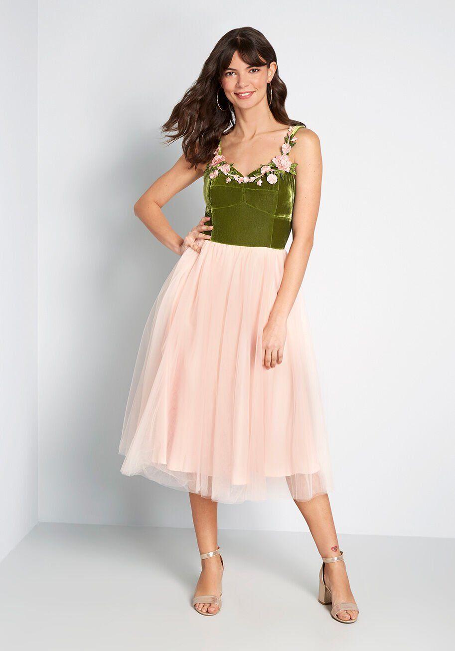 Rose Garden Party Twofer Dress Green Pink Modcloth Twofer Dress Mod Cloth Dresses Pink And Green Dress [ 1304 x 913 Pixel ]
