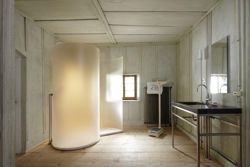 Vasca Da Bagno Ruggine : Vasca con telefono per doccia corto e ruggine foto di hotel