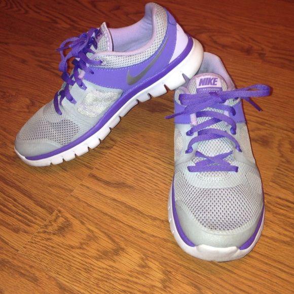 Women's Size 7.5 Gray & Purple Nike Shoes