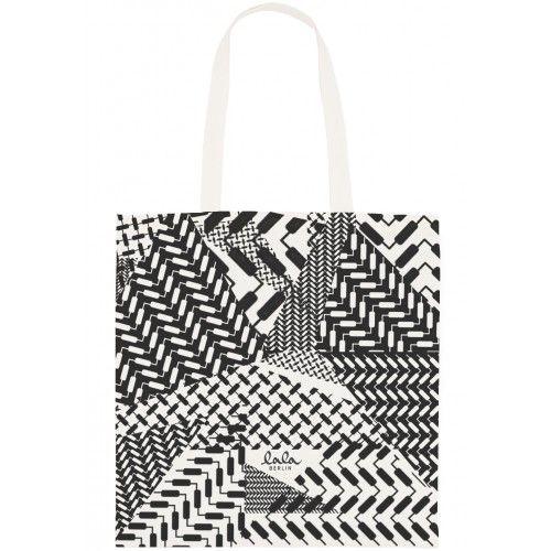 8cf90bf9353 Ønsker mig en net taske fra Lala berlin i sort - gerne den på billedet  (mønsteret hedder