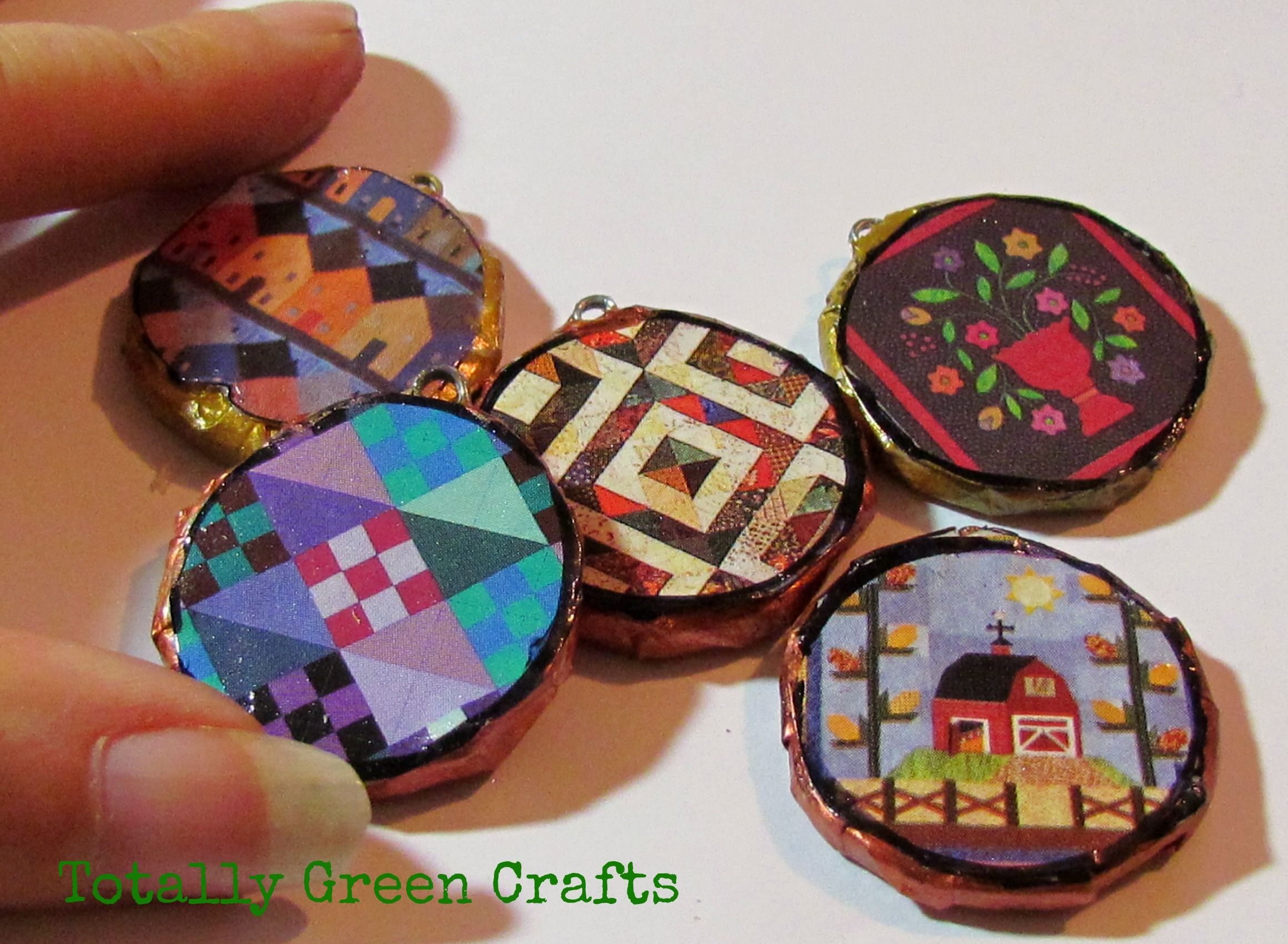 Round pendants from newspapers recycled crafts paper crafts round pendants from newspapers recycled crafts paper crafts aloadofball Images
