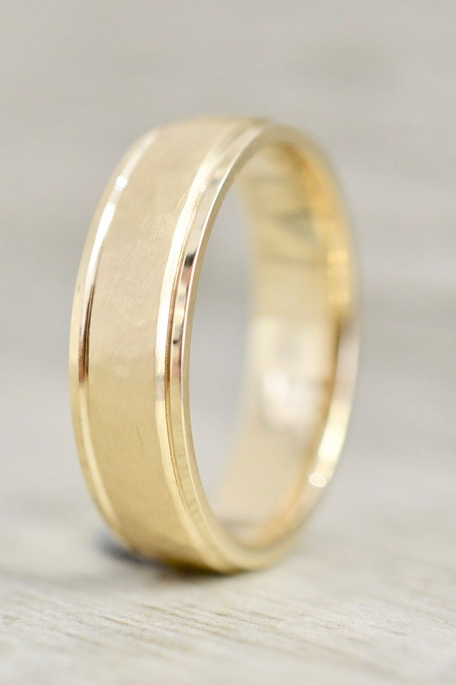 6mm Ridged Band With Hammered Matte Finished Center In Yellow Mens Gold Wedding Band Gold Wedding Band Diamond Wedding Bands