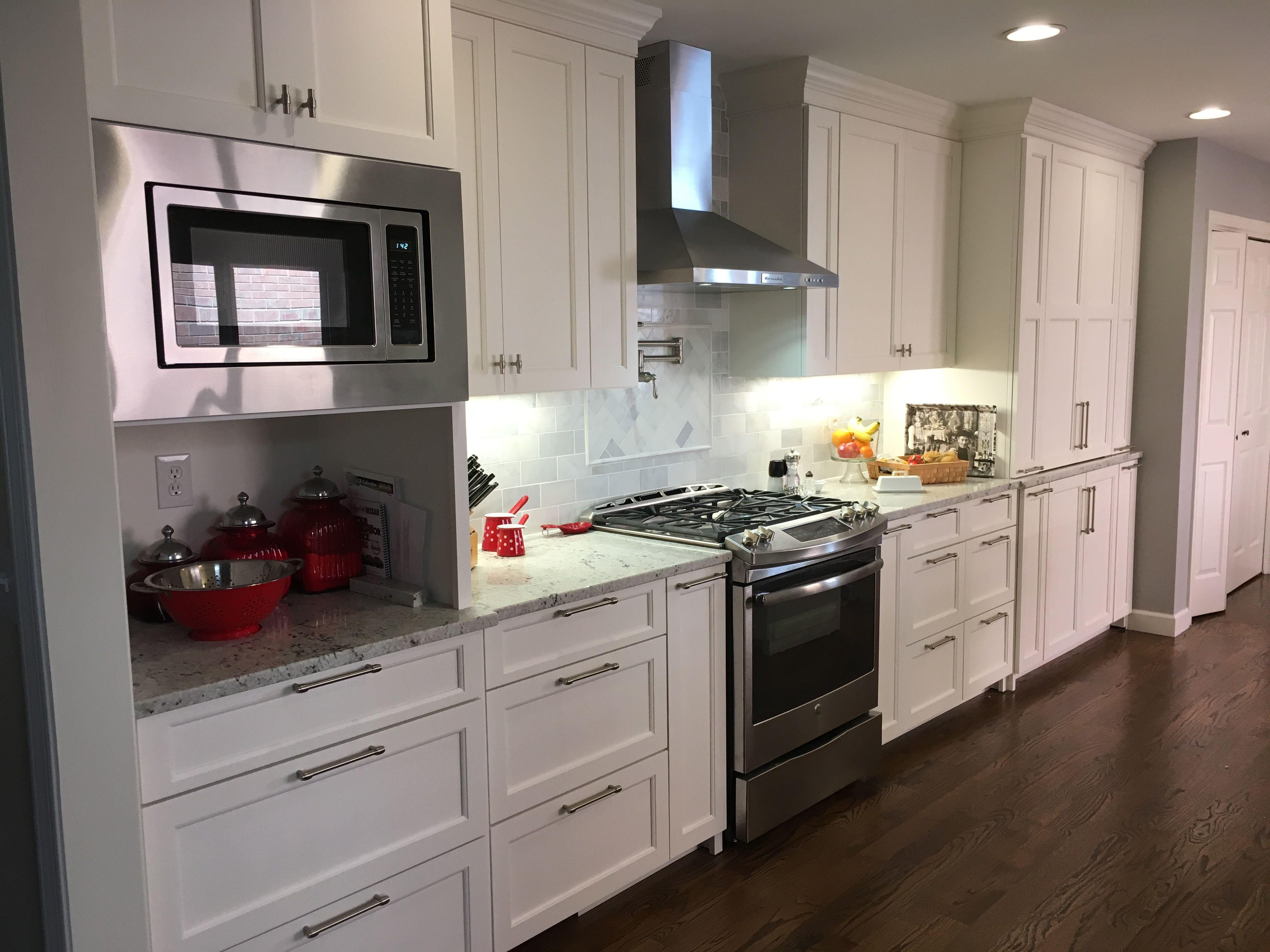 Kitchen in Sherwin Williams Greek Villa. Overlay fronts ...