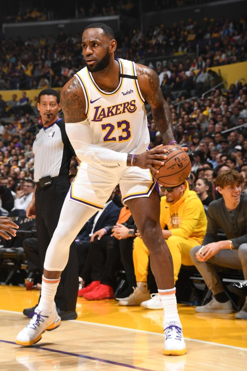 Photos Lakers Vs Pistons 01 05 2020 Los Angeles Lakers In 2020 Lebron James Lakers Lakers Vs Nba Lebron James