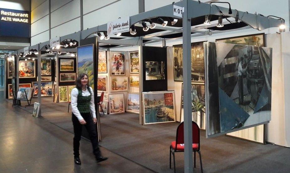 Messe Haus Garten Freizeit In Leipzig 2018 In Halle 3 Mit Vielen Original Olgemalde Von Verschiedenen Kunstlern Darunter Haenr Messe Leipzig Messe Leipzig