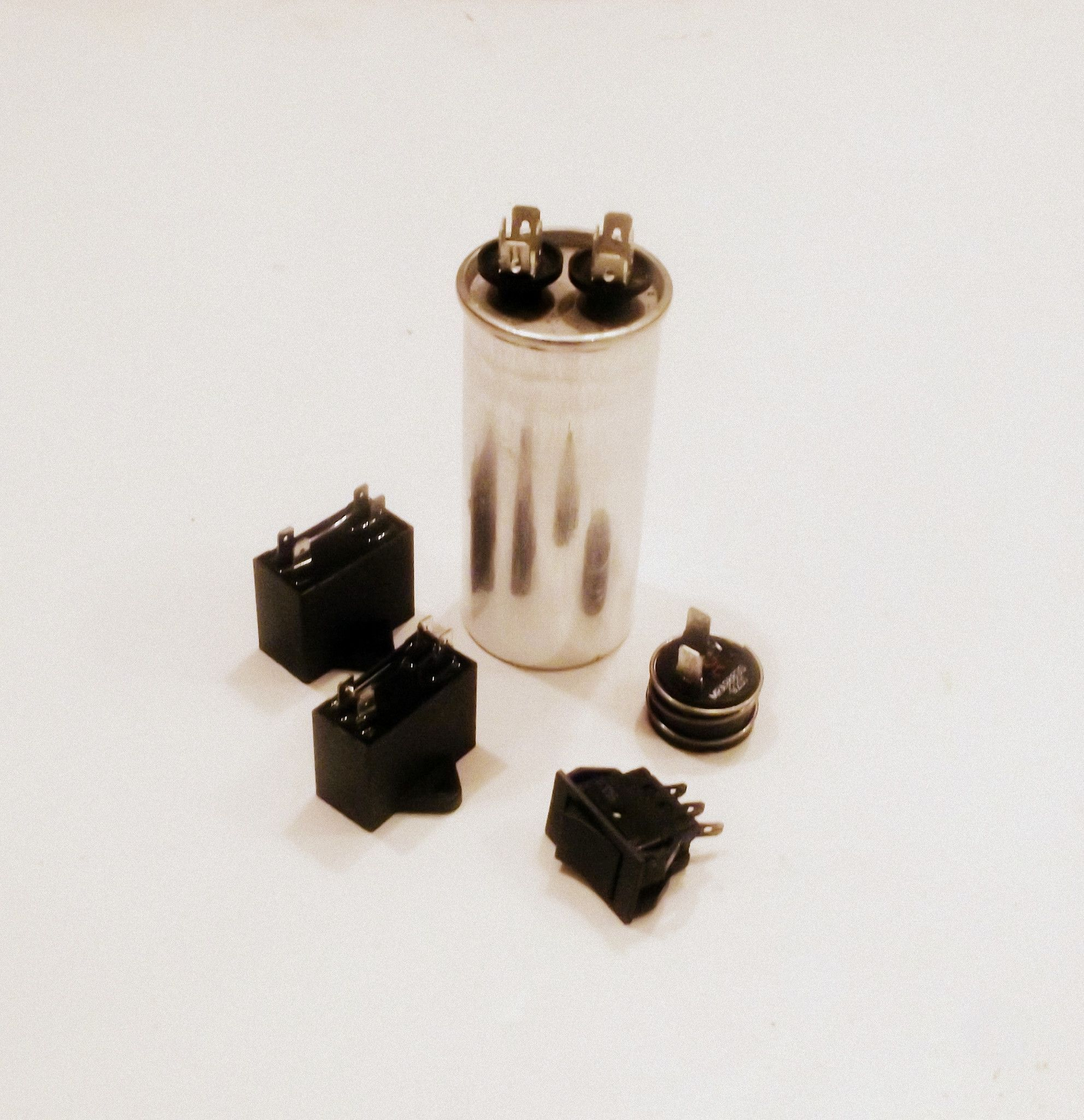 WJ20x10008 WP23X10005 GE Air Conditioner Run Capacitor