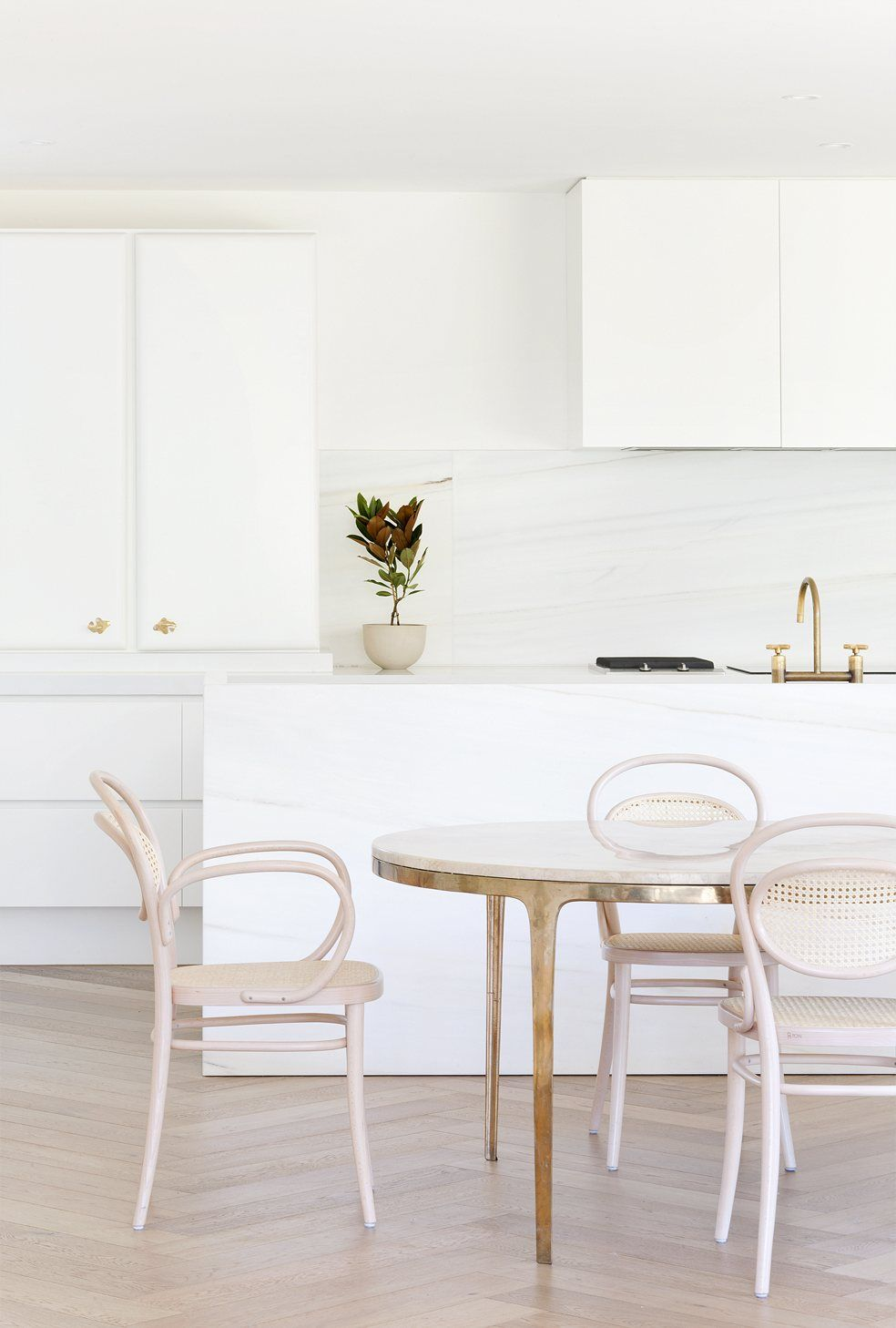 Kitchen And Dining Area. Toorak Residence By Hecker Guthrie. Photo By  Shannon McGrath.