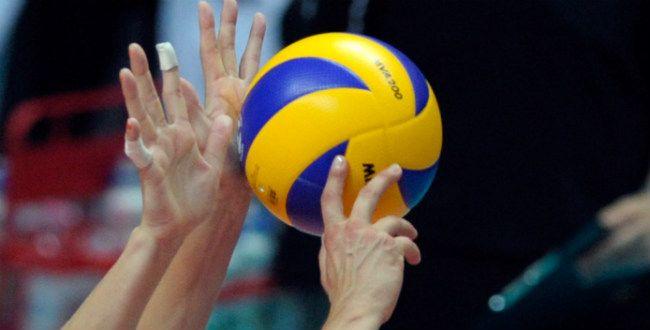EK Volleybal 2013: Robin Overbeeke brengt Oranje naar tussenronde
