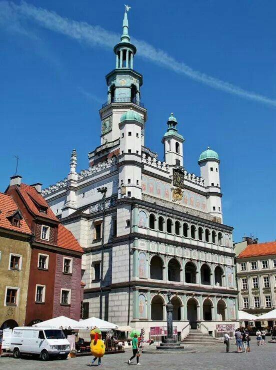 Poznan. Ayuntamiento. Arte renacentista. Plaza del Mercado