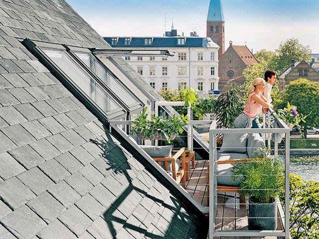 Dachfenster sehen traumhafte Ausblicke | renovieren.de  – Fenster & Türen