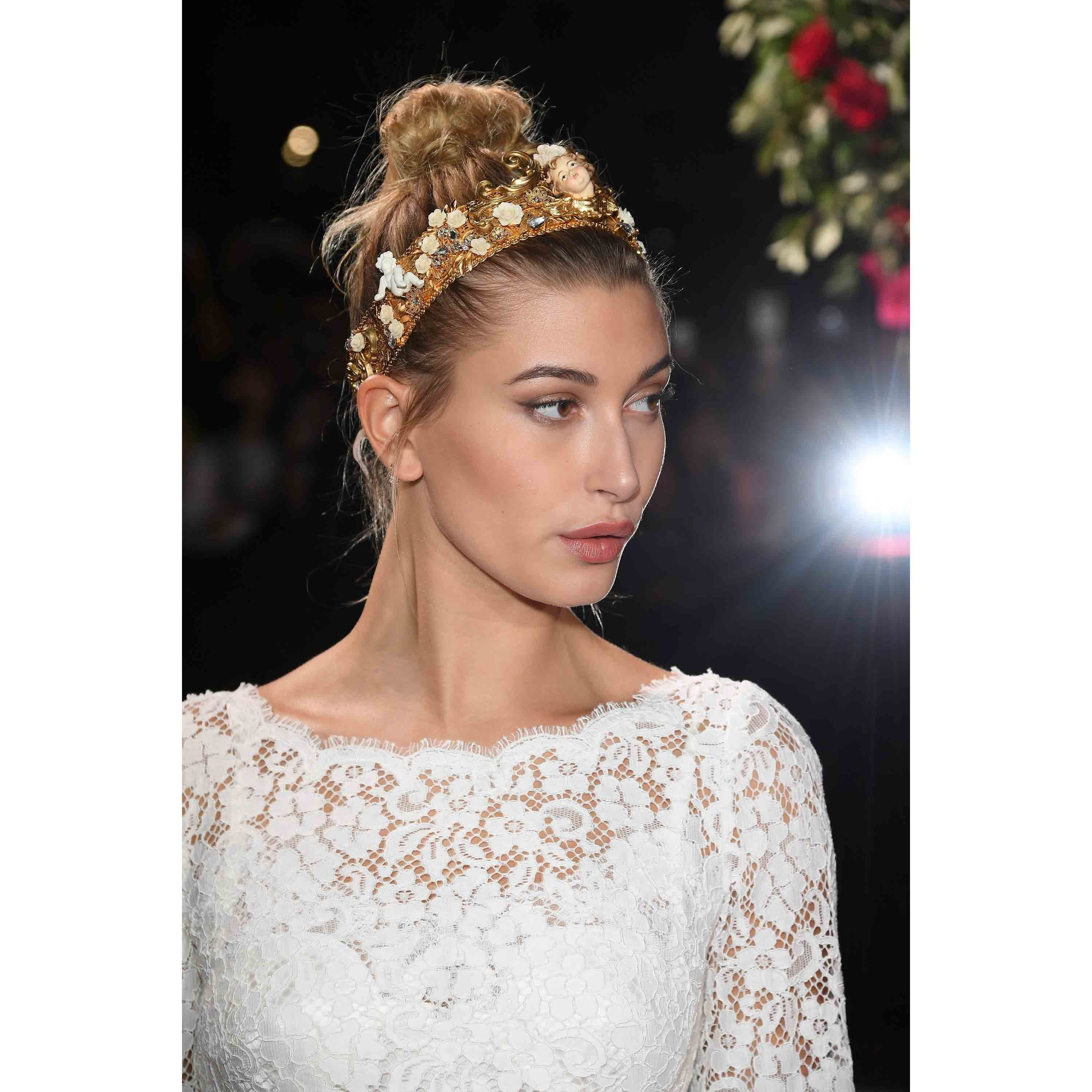 19 Holiday Hair Ideas For Every Type of Festivity | Allure
