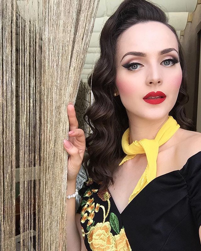selfie during theprettydress photoshoot idda van munster pinterest beaut maquillage et. Black Bedroom Furniture Sets. Home Design Ideas