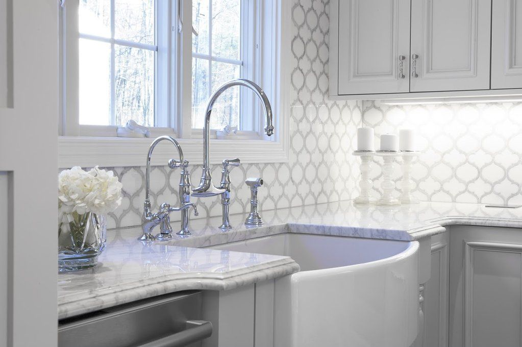 White Thassos And Bianco Carrara Marble Waterjet Mosaic Tile In Arabesque Marrakech Carrera Marble Kitchen Kitchen Decor Backsplash Backsplash Renovation