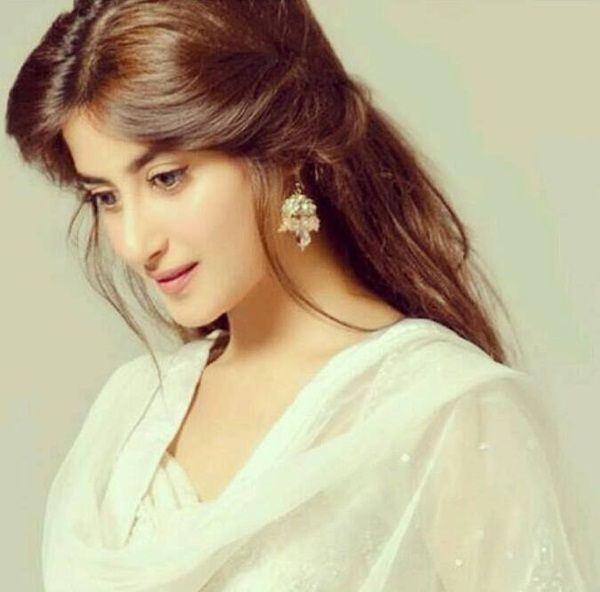 Pakistani Actress Hairstyles: Sajal-ali-photos-4.jpg (600×592)