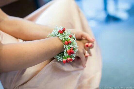 I braccialetti per le damigelle #Event_ualmente #weddingplanner #bridesmaid #Lecco