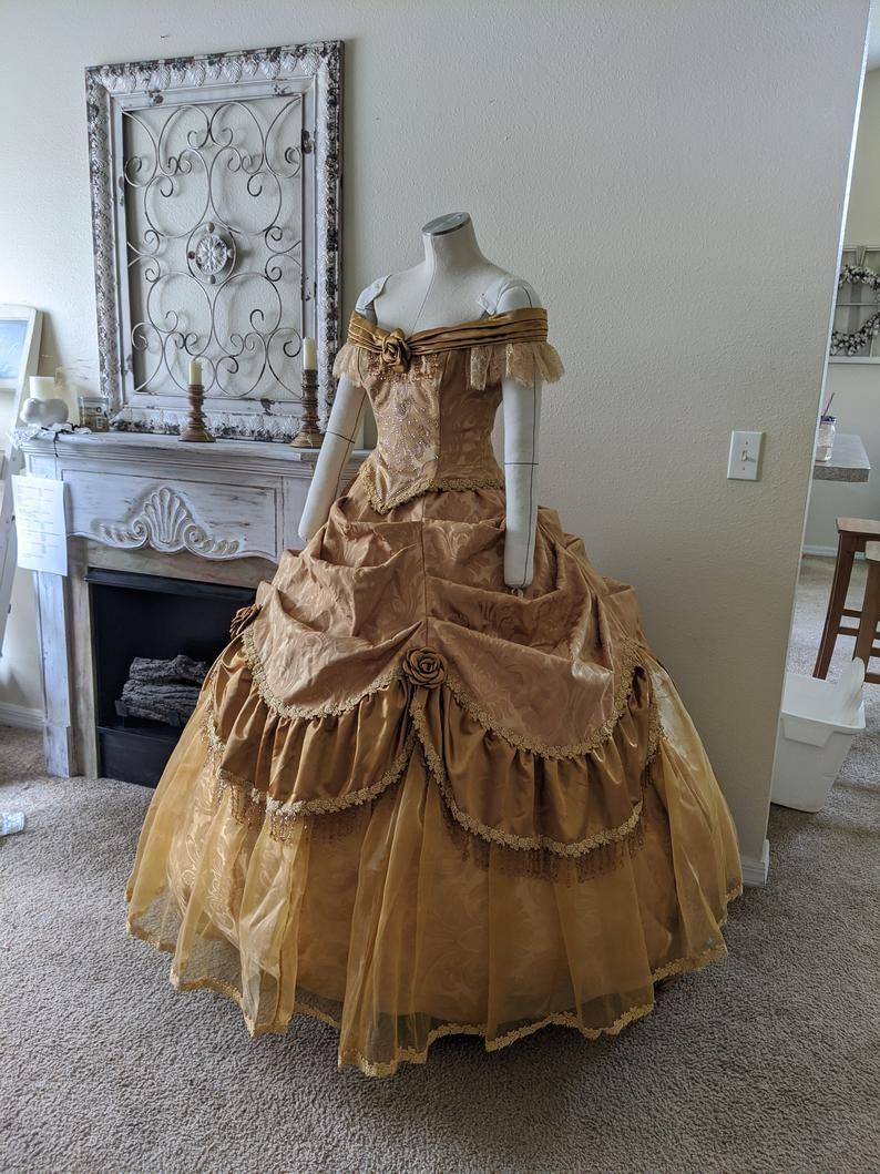 Pin On Fantasy Dress [ 1059 x 794 Pixel ]