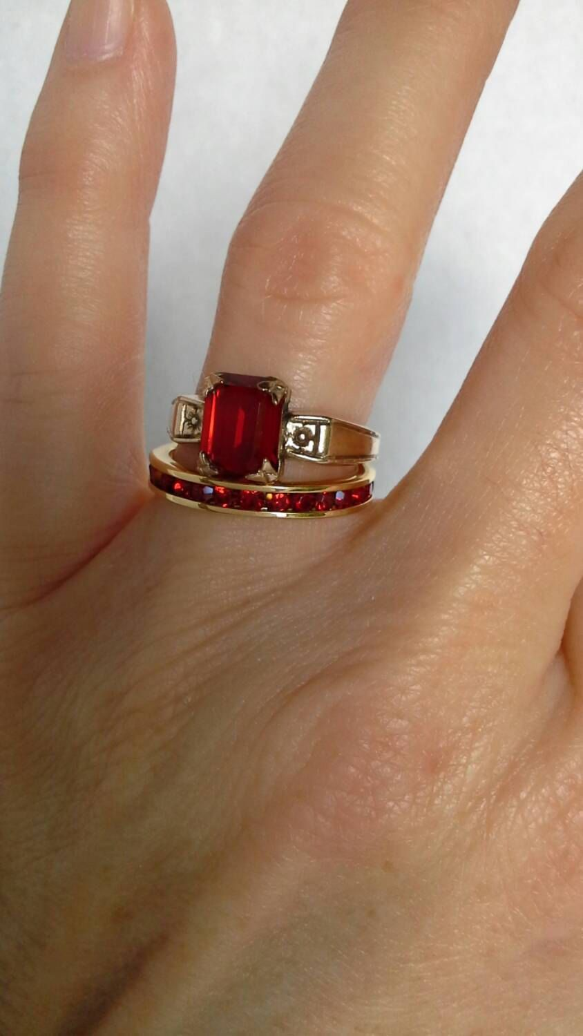 Vintage Gold Plated Red Stone Rings Faux Ruby Wedding Set Anniversary Band