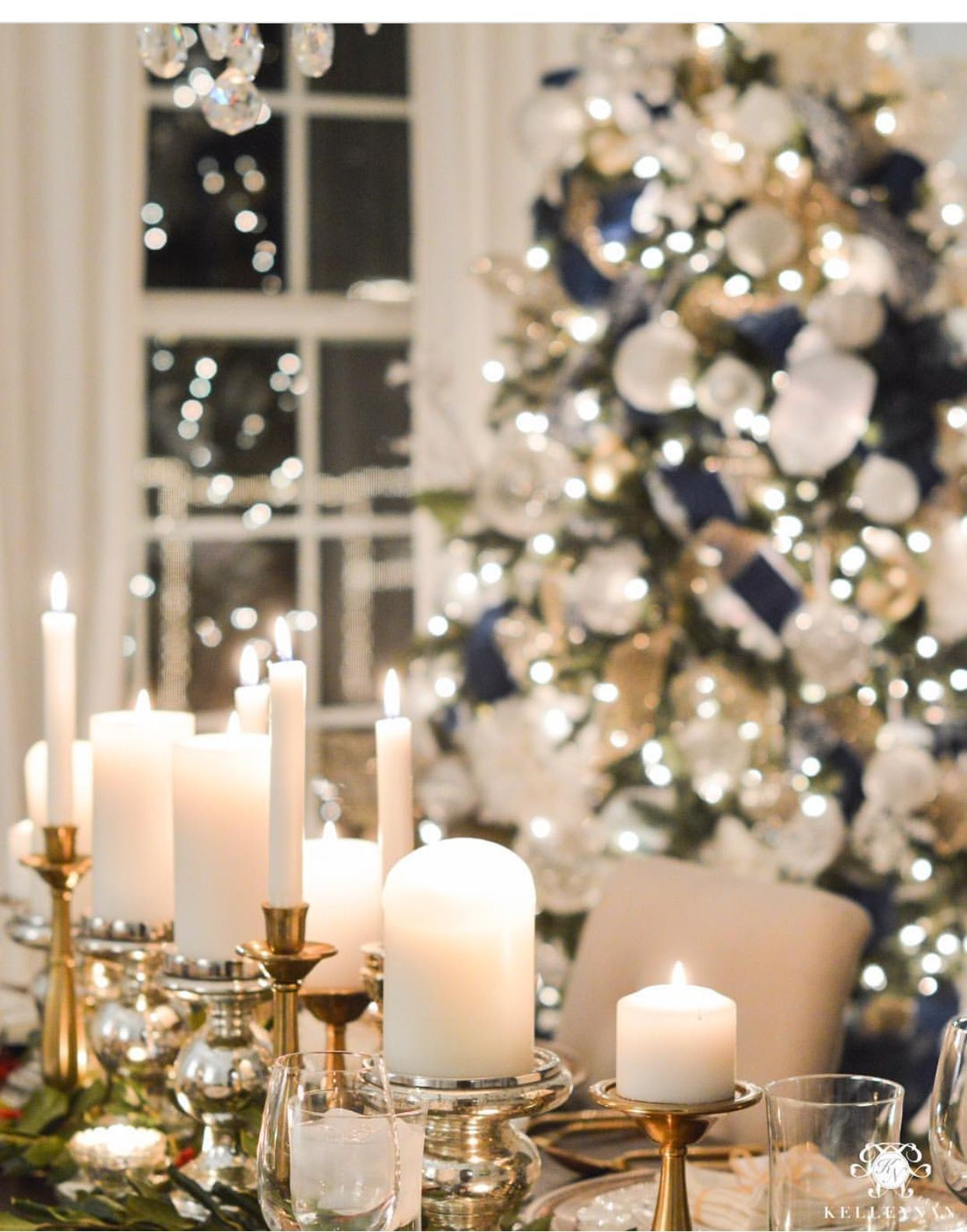 Pin By Sincerely Marie Designs On Christmas Christmas Dining Table Decor Elegant Christmas Centerpieces Christmas Table Decorations