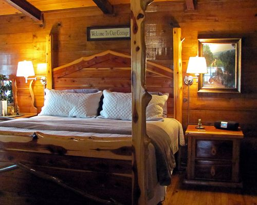 In The Kiamichi Mountains Of Oklahoma, Eagle Creek Escape Offers Luxury  Cabins With Either A Lake Or River View.