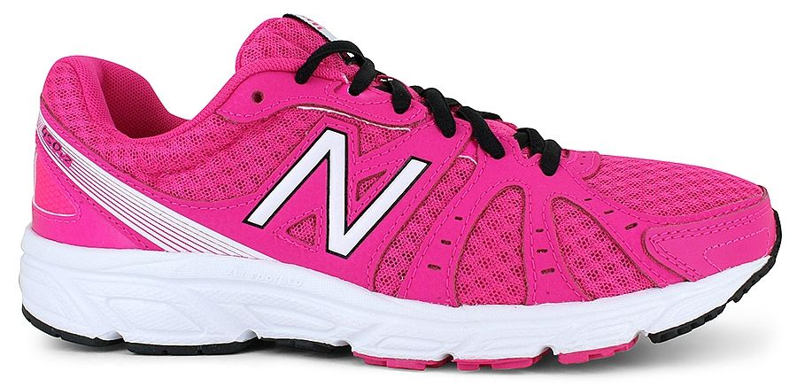 Sleek New Balance� W450:leather and mesh upper, padded collar and tongue, classic New Balance� logo accent on side, lace-up front, rubber traction outsole