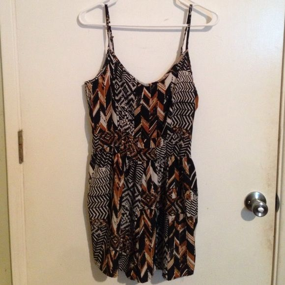 Abstract Print Romper Super cute. Side Zipper Romper. one clothing Other