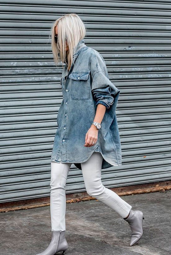 Oversized denim shirt, white skinny jeans, grey ankle boots - Fall outfits, fall fashion trends 2017, fall fashion, street style, edgy outfits, minima...