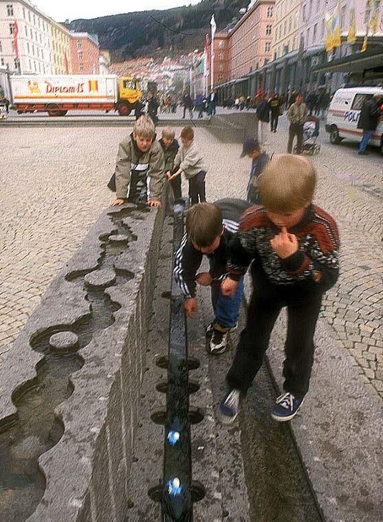 Photo: Frode Svane. Plaza. Bergen. Norway. Project: Bård Breivik. Sculpturor.