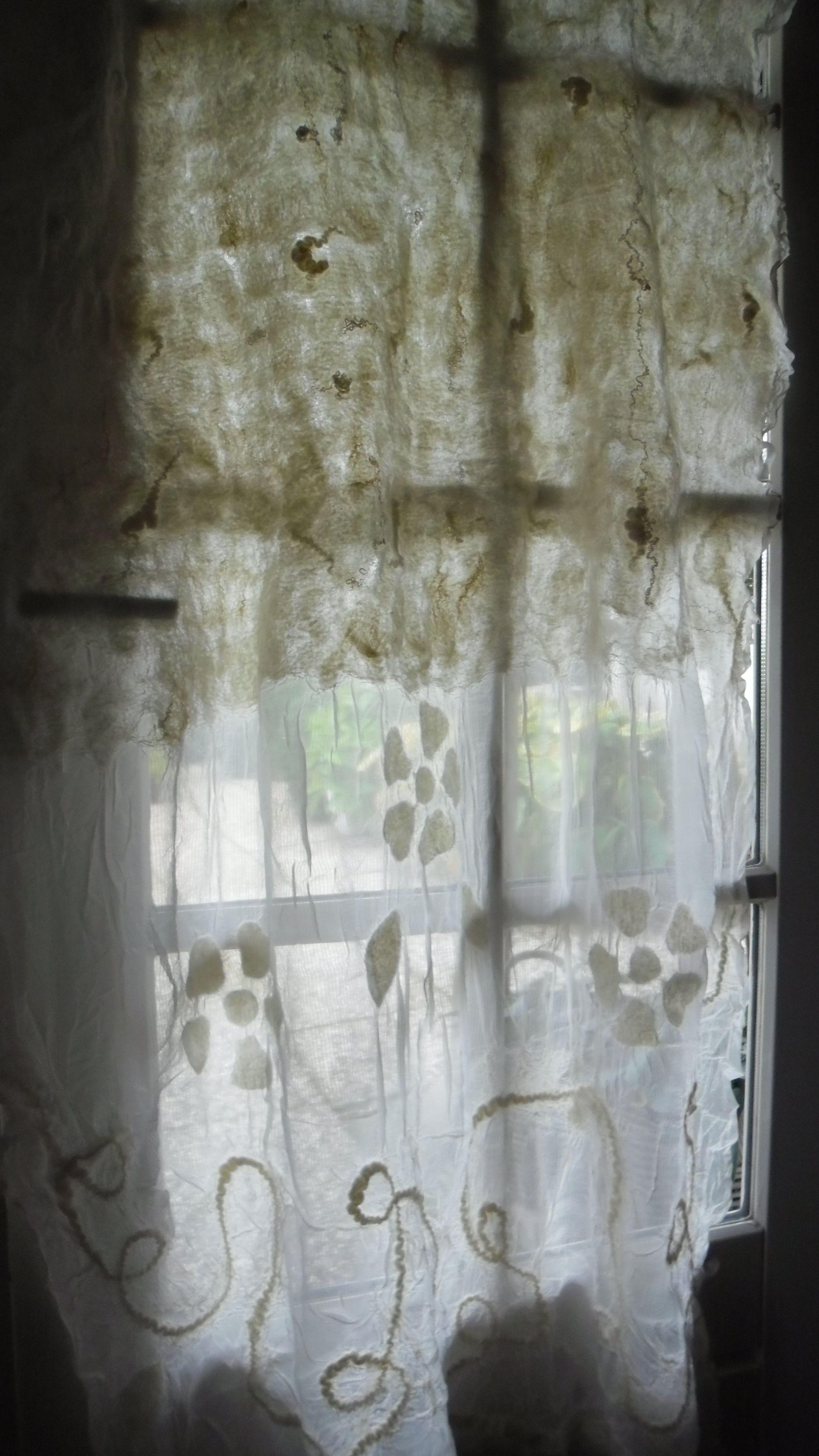 curtain made by A.J.Ponne - felting | Pinterest - Gordijn, Vilten en ...