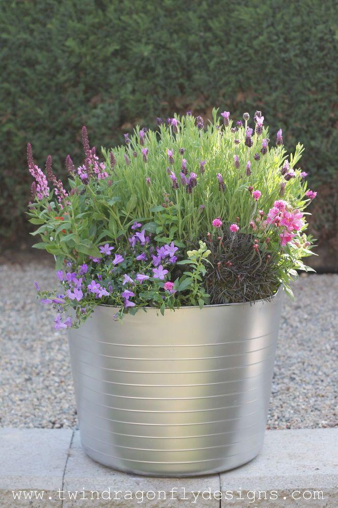 DIY Faux Galvanized Planter Diy planters, Plants