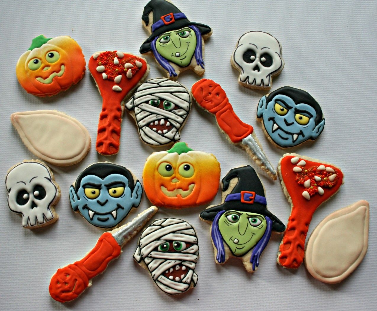 Halloween Decorated Cookies #mamimorcookies Cookies Pinterest - Halloween Decorated Cookies