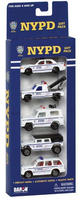 Amazon Com Daron Nypd Vehicle Gift Set 5 Piece Toys Games Nypd Gifts Toy Sets Car Gifts