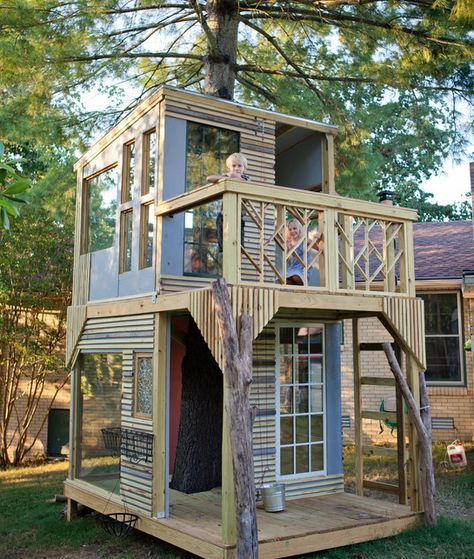 Tree House Project from Beginning to End. Great bonding time with your kids.