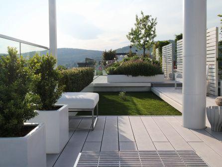 blick auf den dachgarten der terrasse mit mydeck premium wpc penthouse mit sommerk che auf der. Black Bedroom Furniture Sets. Home Design Ideas