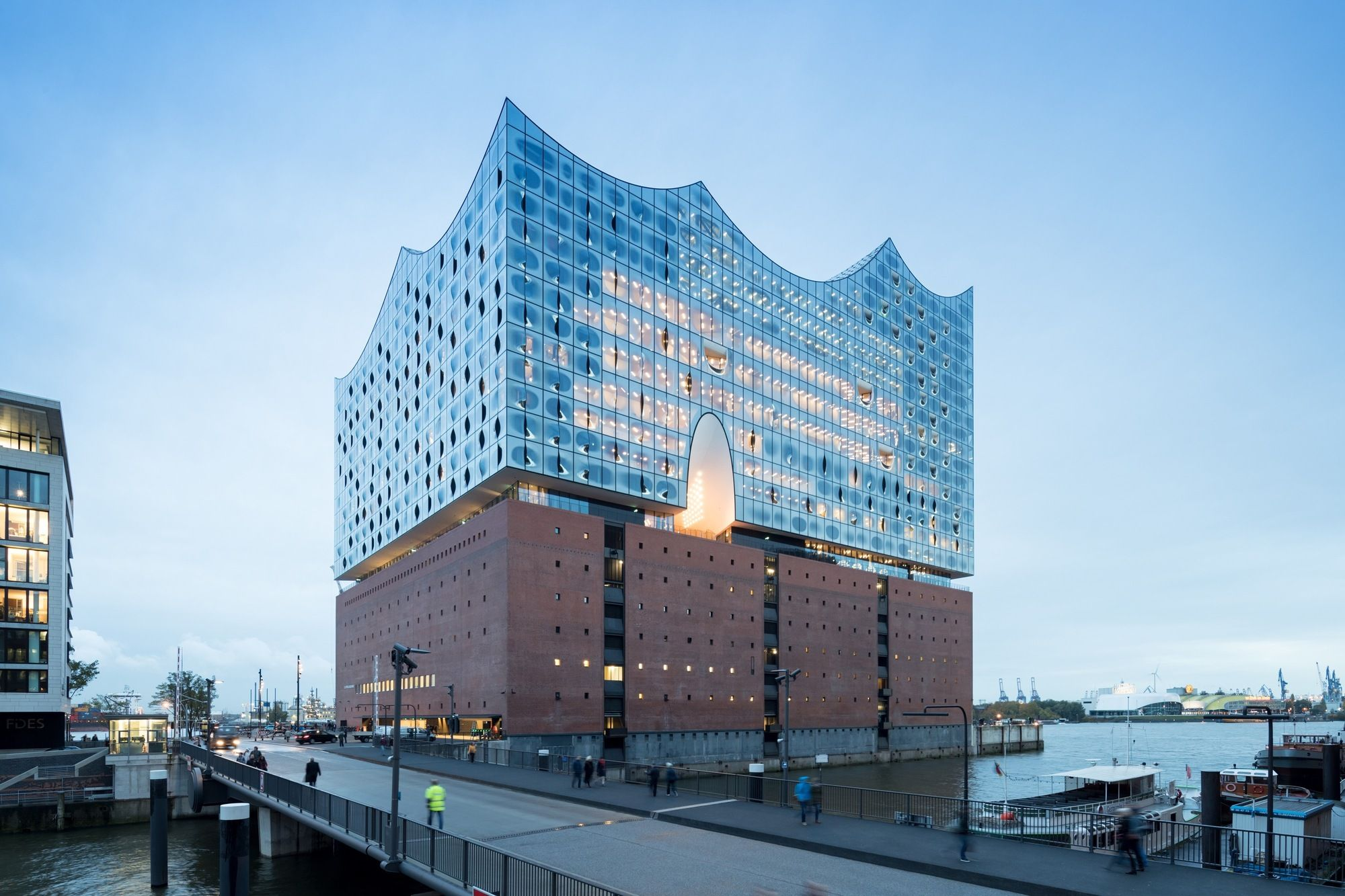 The Plaza Of Herzog Amp De Meuron S Elbphilharmonie Has Opened To The Public The Concert Hall S O Cultural Architecture Elbphilharmonie Hamburg Architecture