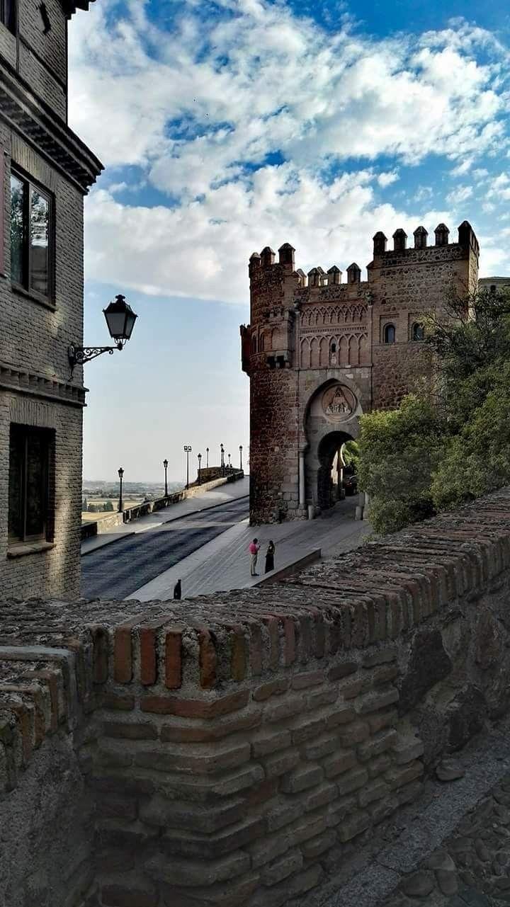 Puerta Del Sol Toledo Paisajes De Espana Pueblos De Espana Espana