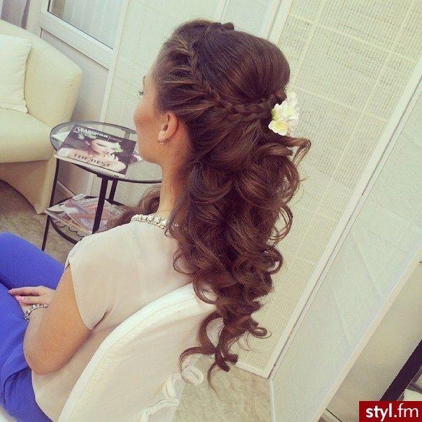 Slubne Fryzury Z Warkoczem Niesamowicie Urocze Uczesania 2017 Hair Styles Cool Hairstyles Wedding Hairstyles