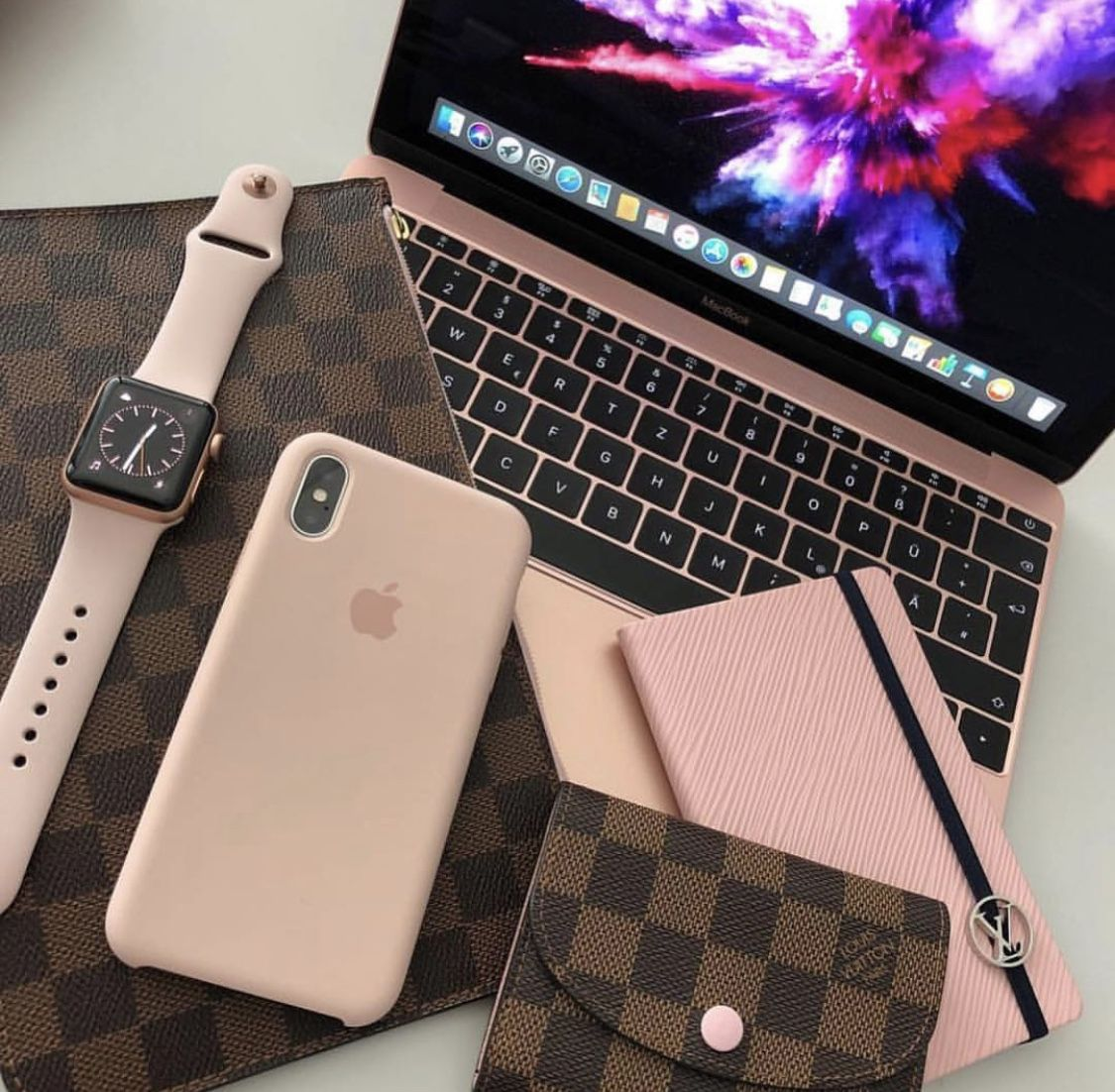 Pin by Lavish Fashions on Accessories Iphone, Apple