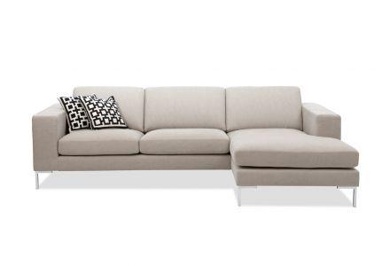 Das StoffsofaPaludan ist ein vollkommener Botschafter des klaren Stils: Formvollendete Linienführung und genialer Komfort erzählen eine Geschichte davon.