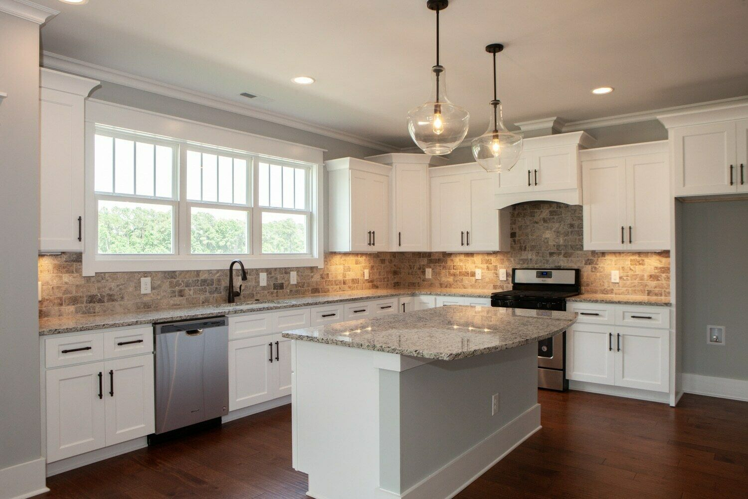 Great Sale For Custom Design Modern Kitchen Cabinets Various Styles And Colors Building A Kitchen Online Kitchen Cabinets Modern Kitchen