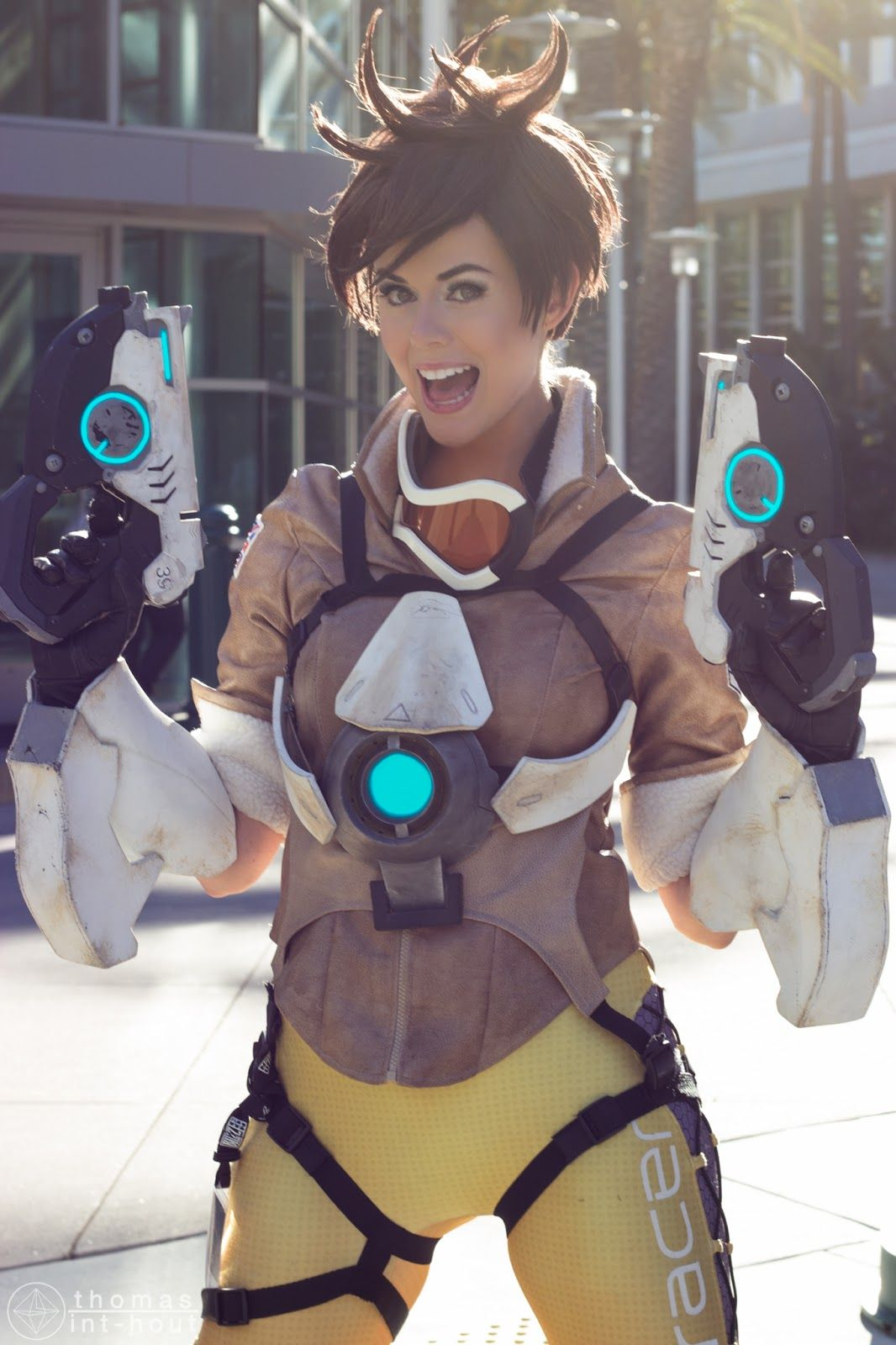 Tracer Cosplay costume Overwatch (19) – Cosplays | Trace ...