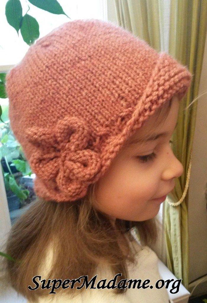Modèle de bonnet cloche gratuit à tricoter   Tricot   Pinterest   Knitting,  Crochet and Tricot 1caff2217de