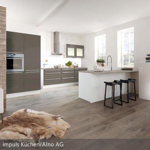 Moderne Offene Küche das schaffell auf dem fußboden die wand in mauer optik und die
