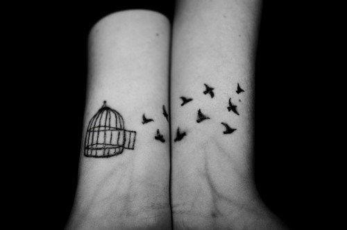 libertad,awesome,bird,birds,black,cage,bird, tattoo, legs, art, body art, hand,  wrist, arms, waist, feathers, chest, back, tummy, fingers