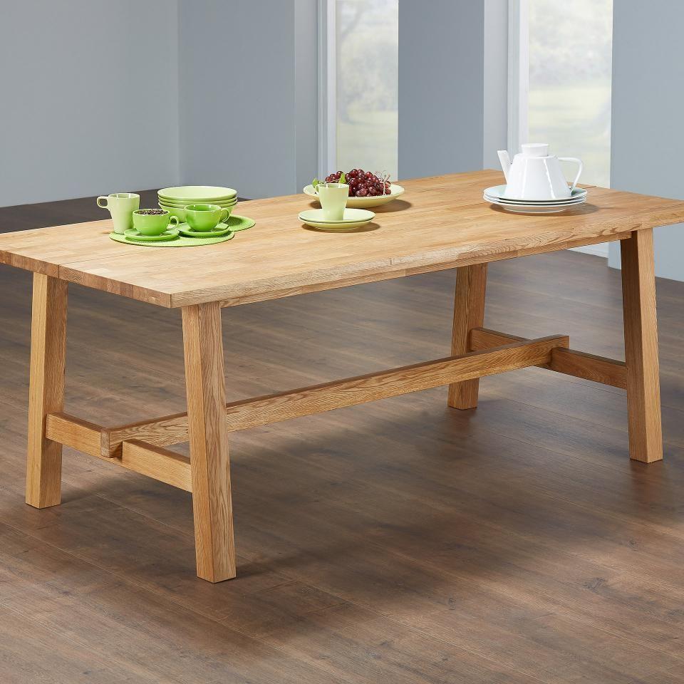 Machen Sie Ihren Esstisch Zum Mittelpunkt Ihres Esszimmers Und Verbringen Sie Hier Viele Gemutliche Stunden Im Kreis Ihrer Familie O Kuche Tisch Esstisch Tisch