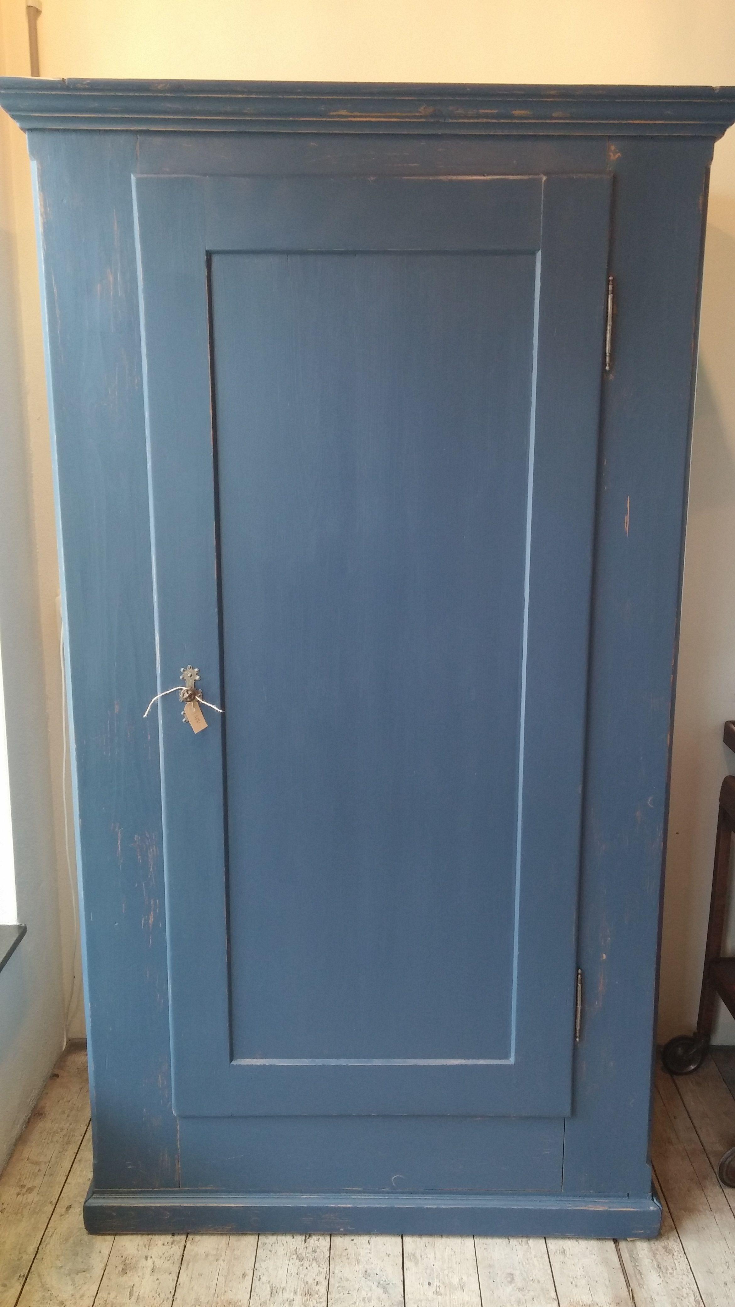 Prachtige Grenen Kast In Warm Blauw Furniture Ideas In