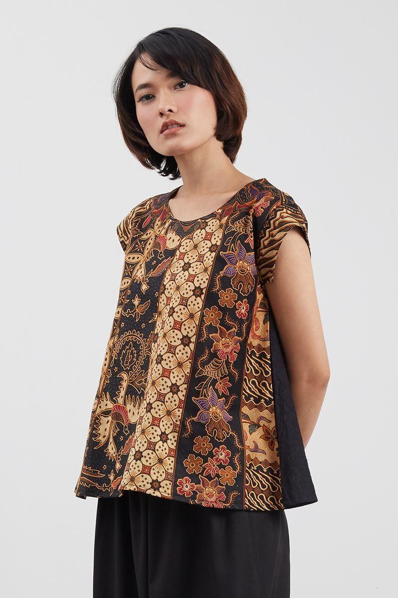 Chelsea Islan In Batik Dress Gorgeous T Ada Fashion Kaos Wanita Lengan Pendek Motif Great Things Maroon S