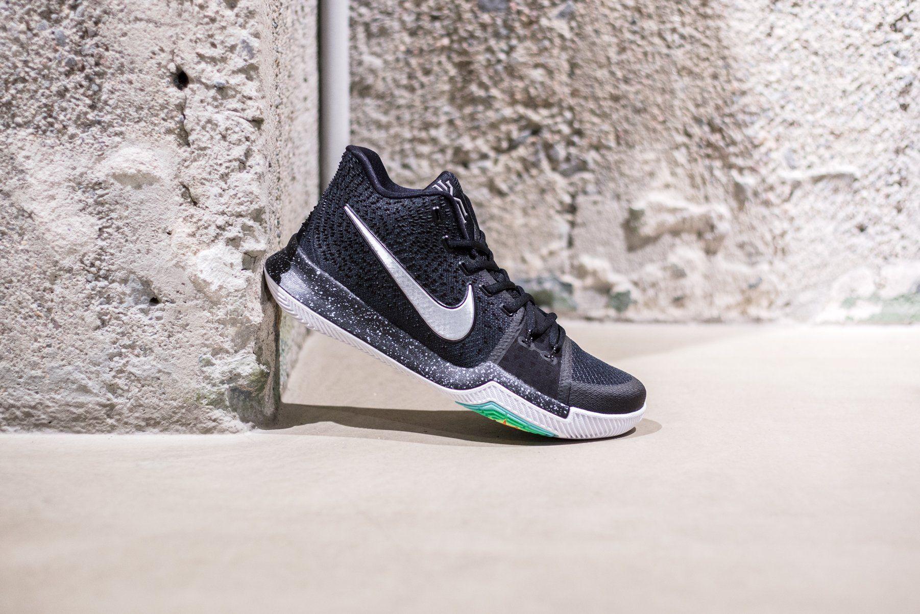 Kyrie 3 « Black Ice » Credit : Sneakersnstuff #Nike #Inside #Sneakers