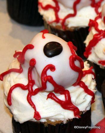 scary halloween cupcakes
