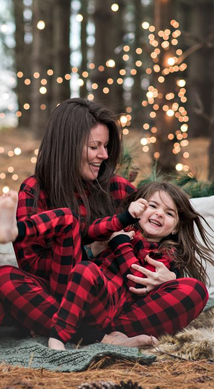 This Is A Great Christmas Card Idea Family Matching Pajamas Fun Outdoor Location Christmas Pajama Pictures Christmas Jammies Family Family Christmas Pajamas